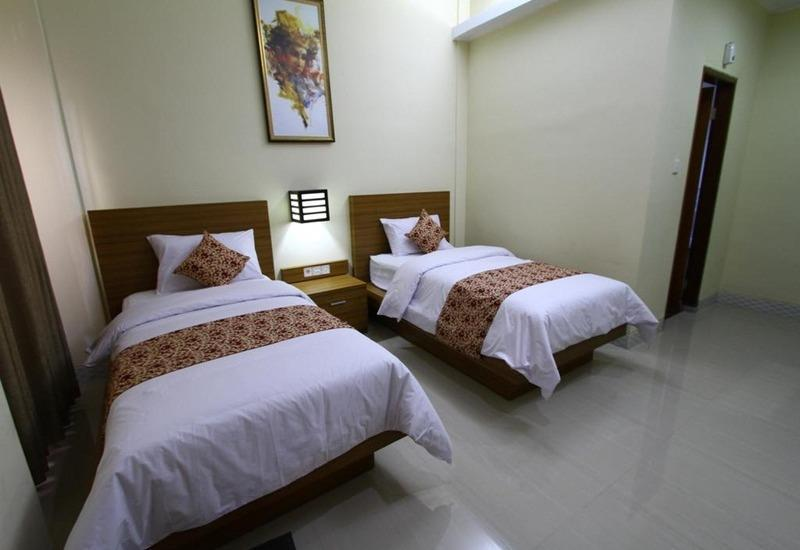 Rade Guest House Bali - Double Twin Regular Plan