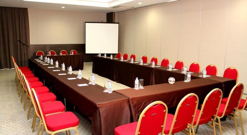 Hom Hotel Tambun - Ruang Pertemuan