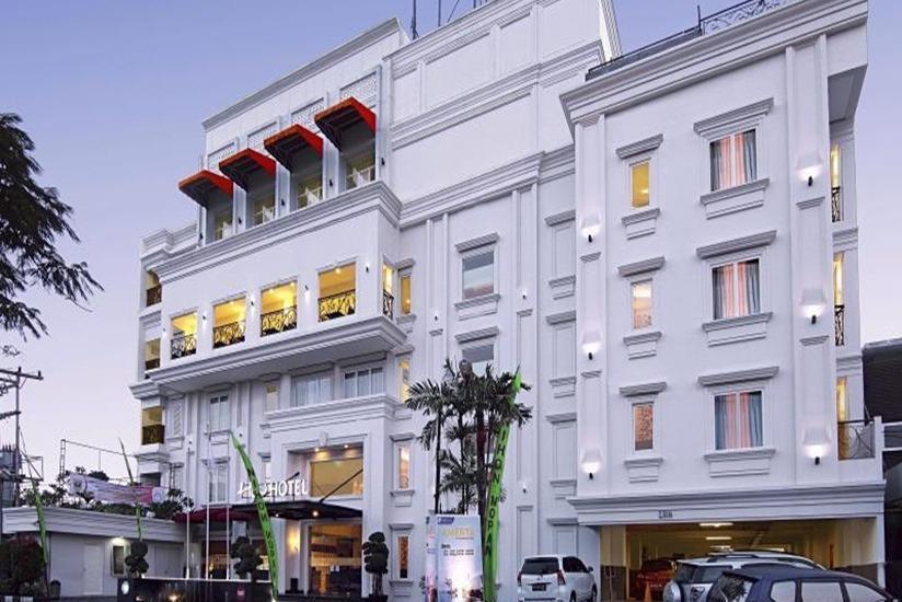 HW Hotel Padang - Tampilan Luar Hotel