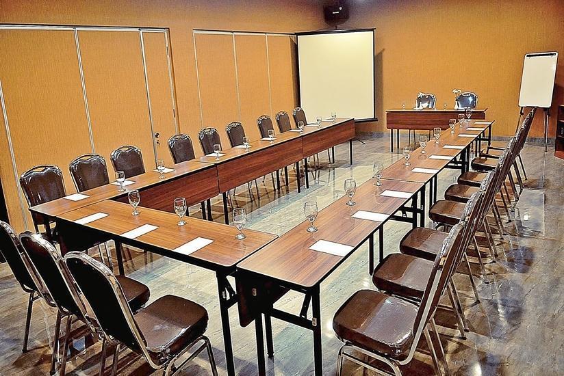 Safin Residence Jakarta - Ruang Rapat