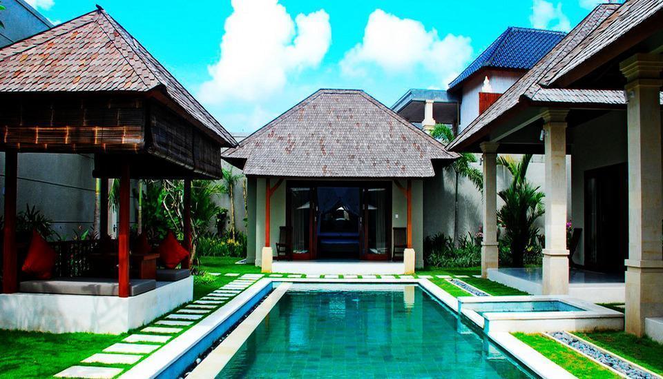 Villa Zanissa Bali - Kolam Renang dengan Jakuzi