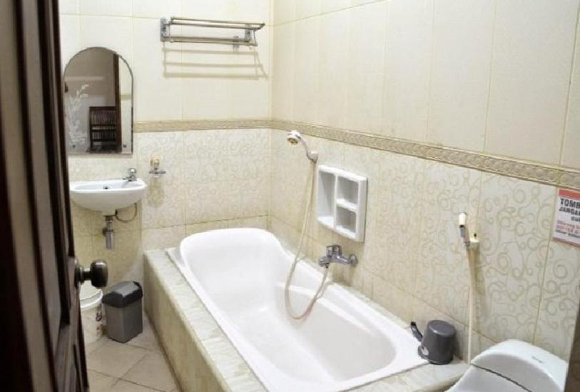 Hotel Ratna Tuban Tuban - toilet