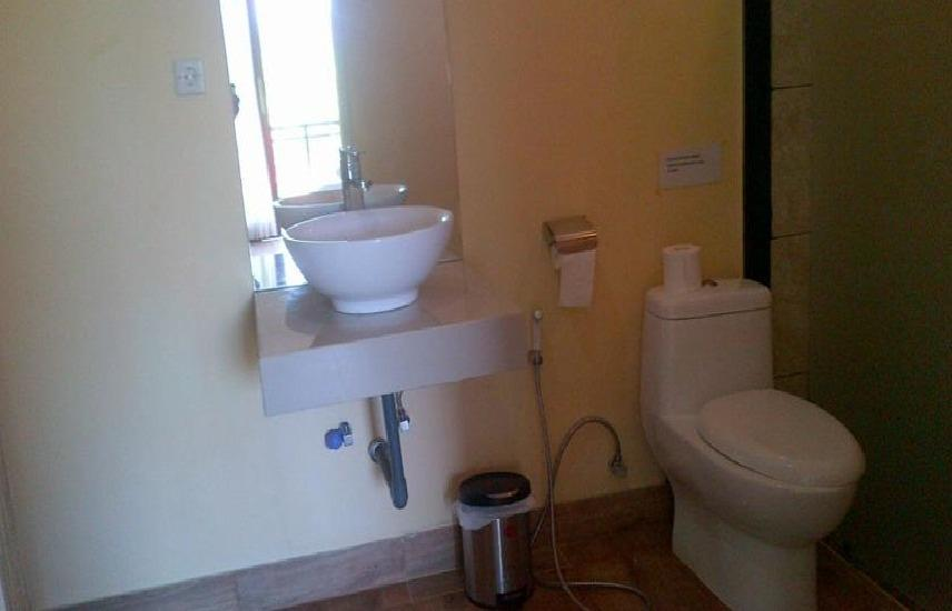 Damar Emas Guest House Bali - toilet