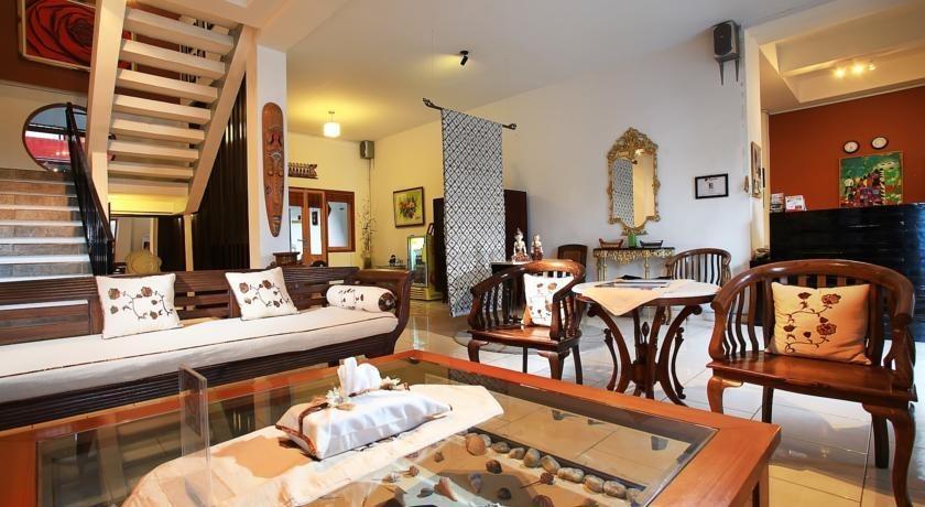 Hotel Mawar Asri Yogyakarta - Ruang tamu