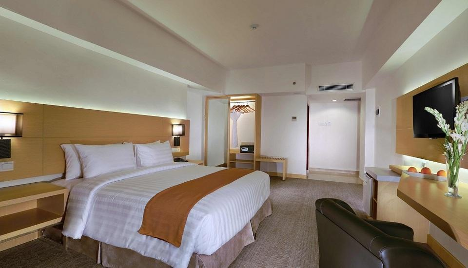 Aston Semarang - Deluxe Room Regular Plan