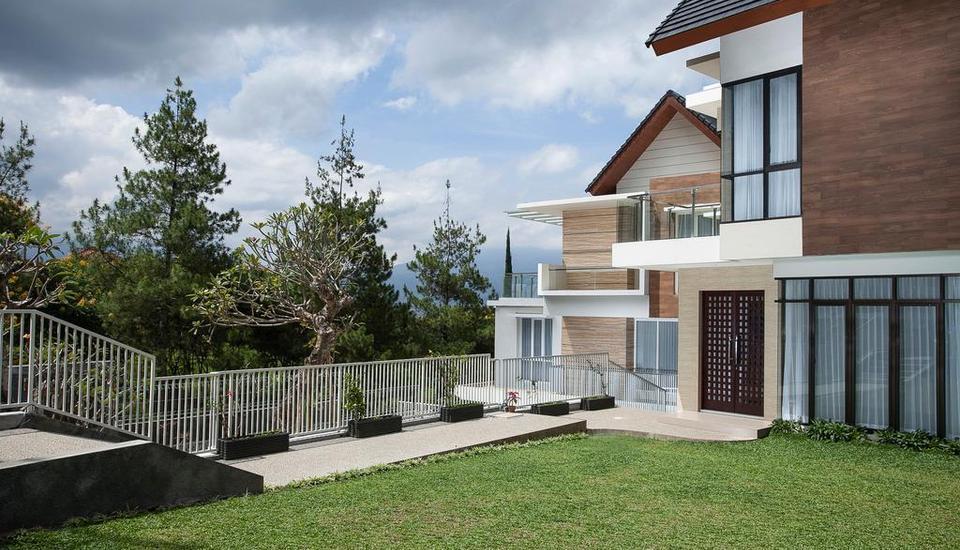 Azcarya Villa Malang - 10/1/2018