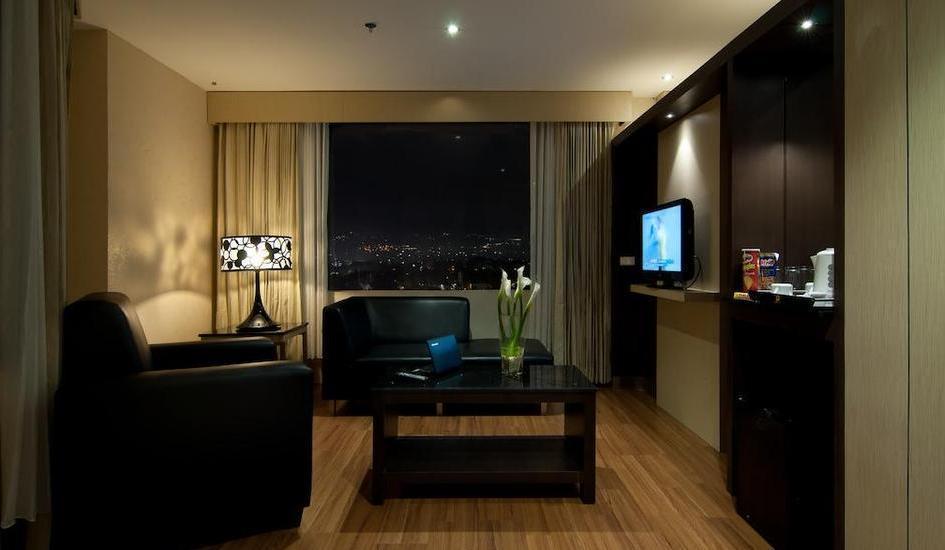 Hotel Aria Gajayana Malang - Kamar Suite Regular Plan