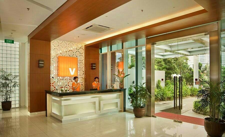 V Hotel Jakarta - Lobby
