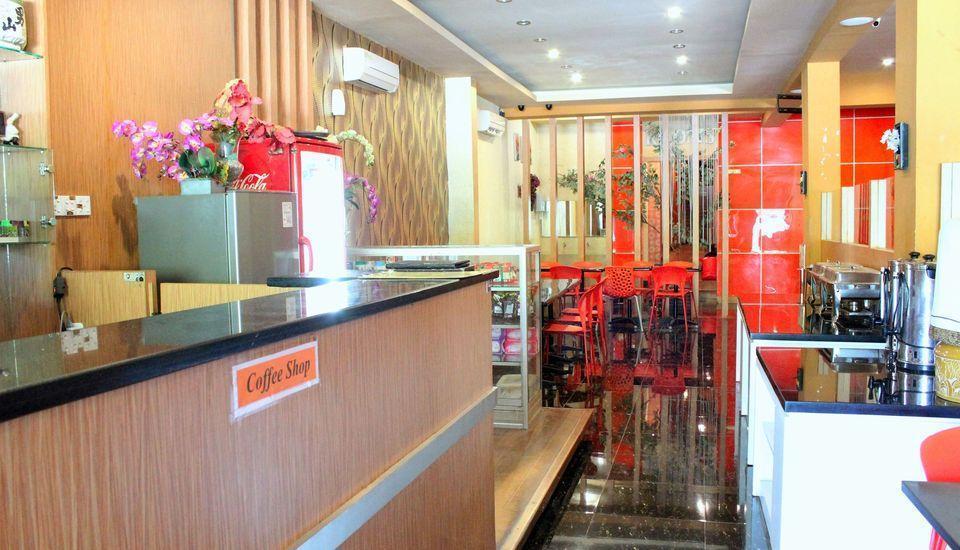 ZEN Rooms Perintis Kemerdekaan Makassar - Resepsionis