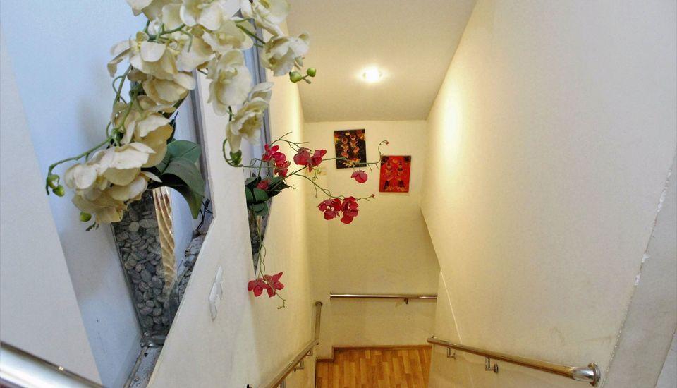 ZEN Rooms Perintis Kemerdekaan Makassar - tangga
