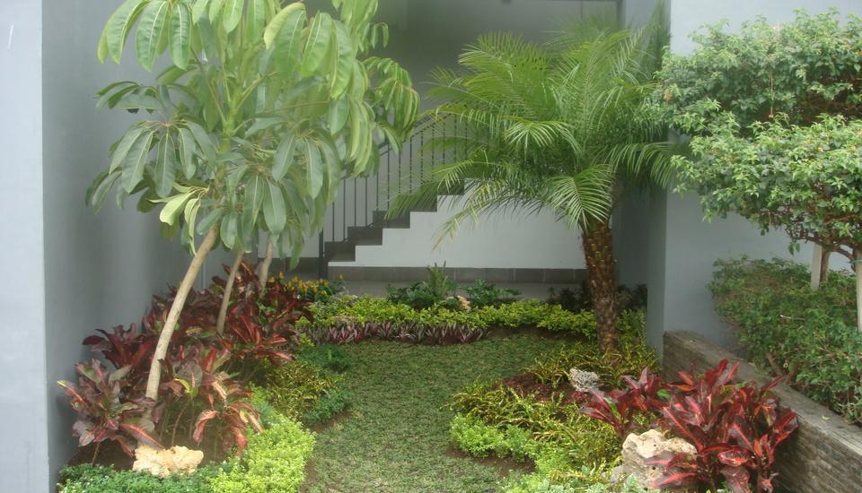 Tilamas Hotel Surabaya - Garden