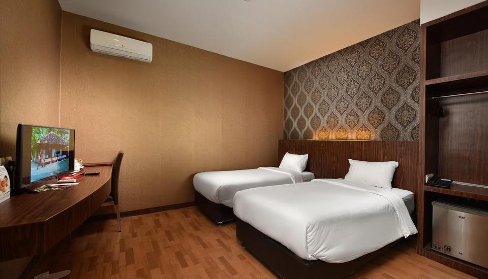 The Crew Hotel Kno Medan - tempat tidur twin kelas ekonomi