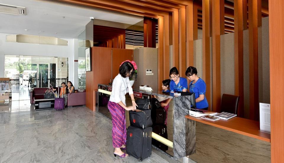 The Crew Hotel Kno Medan - Lobby