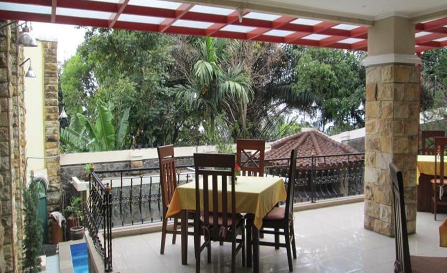 Scarlet Bukit Pakar Hotel Bandung - Balkon
