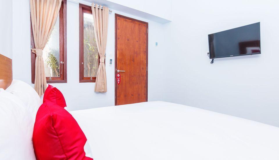 ZEN Premium Canggu Batu Villa Bali - Tempat Tidur Double