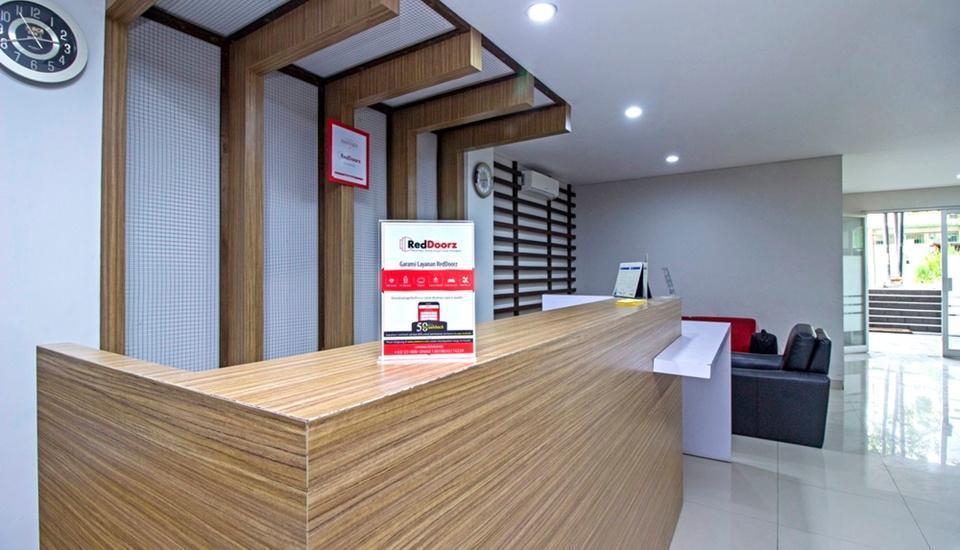 RedDoorz @Cibogo Bawah Bandung - Lobby