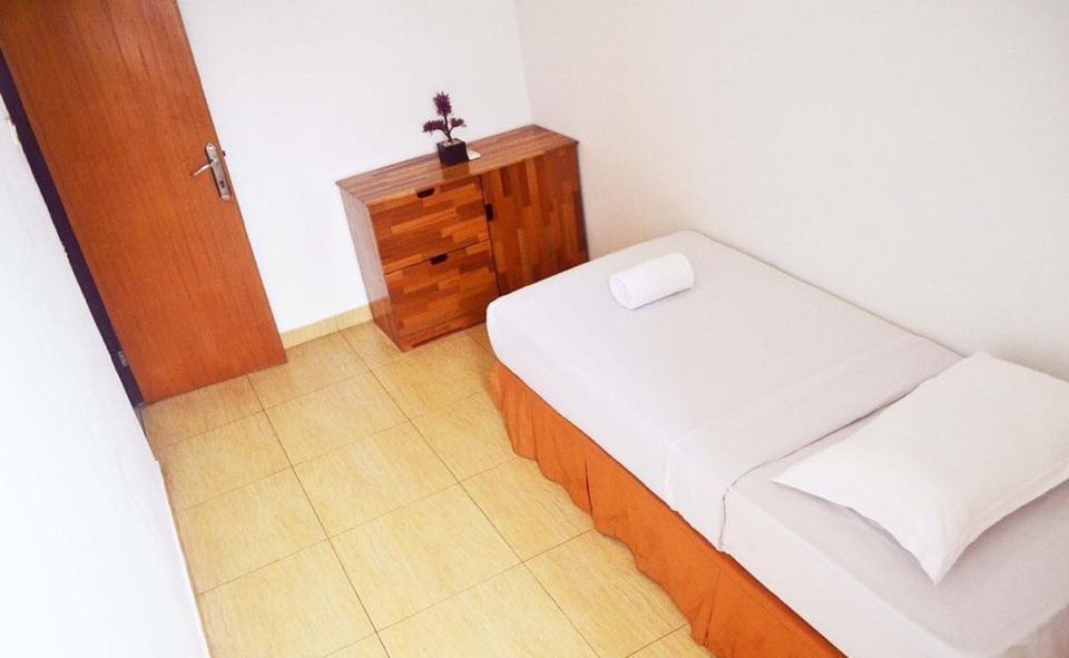Newton Residence Jakarta - Small Room