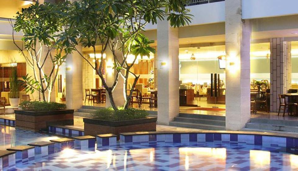 Quin Colombo Hotel Yogyakarta - Quin's Colombo Yogyakarta  Kolam renang
