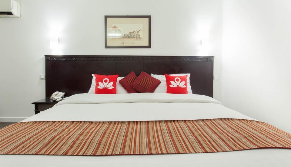 ZEN Premium Menteng Syariah Jakarta - Tampak tempat tidur double
