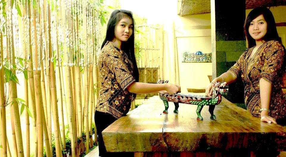 Javaretro Hotel Bandung - Congklak (13/June/2014)