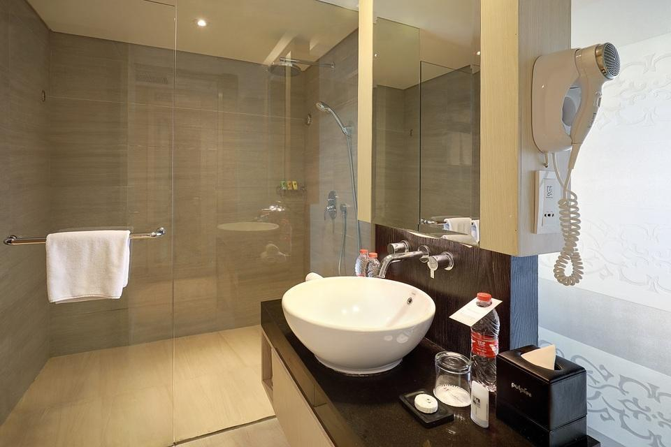 Swiss-Belhotel Tuban - Grand Deluxe Side View King  Monthly Promotion