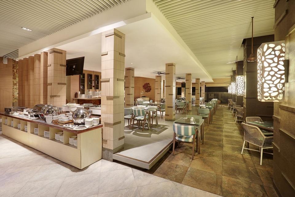 Swiss-Belhotel Tuban - Bale Sunset Lounge