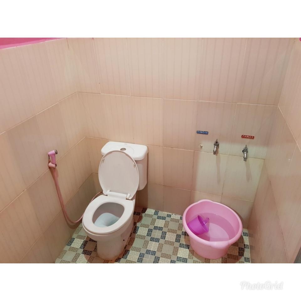 Darmo Homestay Malang - Toilet
