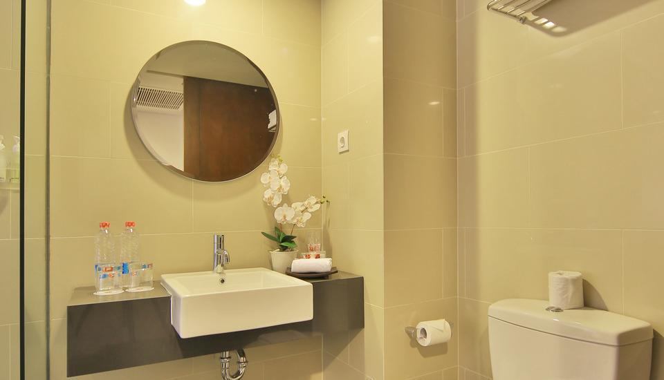 J4 Hotels Legian - Toilet