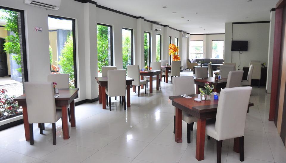 Grand Mutiara Hotel Berastagi - Resto dalam ruangan