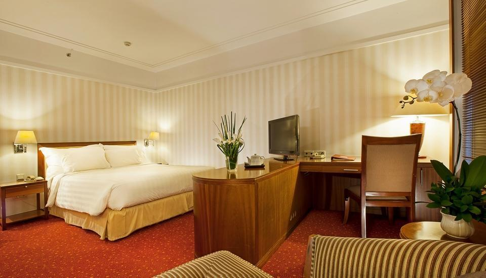 Redtop Hotel & Convention Center Jakarta - Club Suite Room