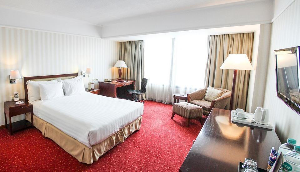 Redtop Hotel & Convention Center Jakarta - Deluxe Room