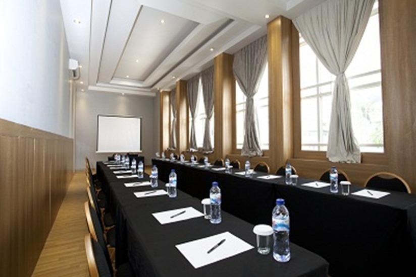 Hotel Omega Karawang - Ruang Rapat