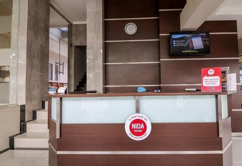 NIDA Rooms RS Bunda Thamrin Medan - Resepsionis