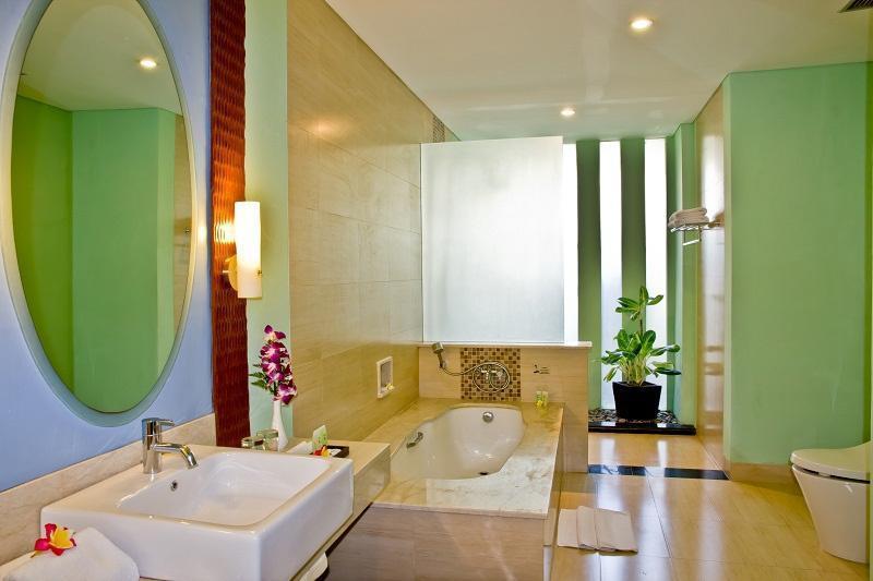 The Rani Hotel & Spa Bali - Kamar mandi kamar suite