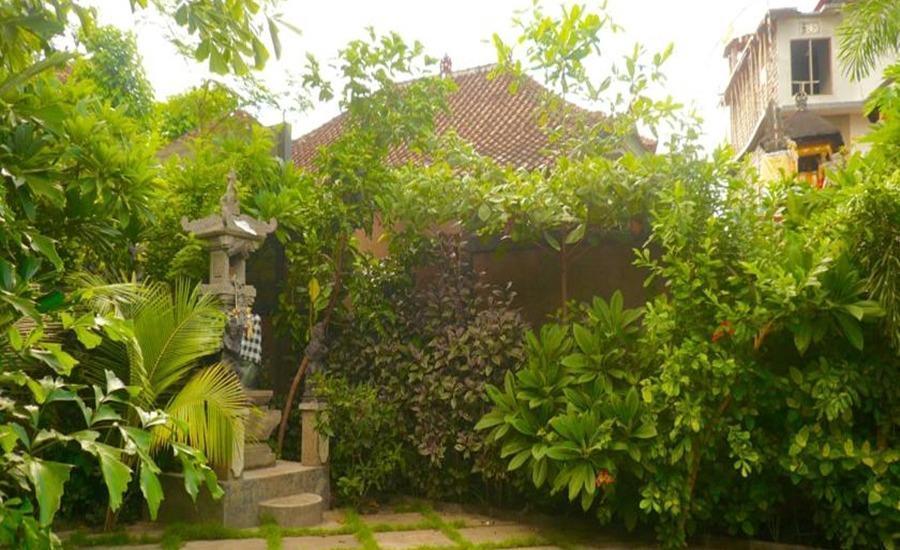 C'est Bon Homestay 2 Bali - Garden - eksterior