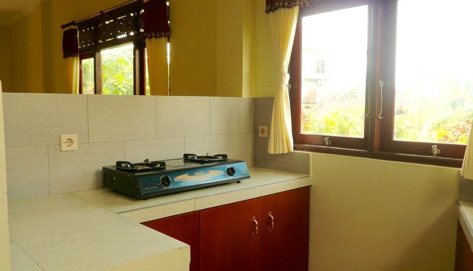 C'est Bon Homestay 2 Bali - Kamar Keluarga - dapur