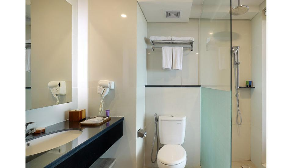 Aston Canggu Beach Resort Bali - Bathroom Superior Twin