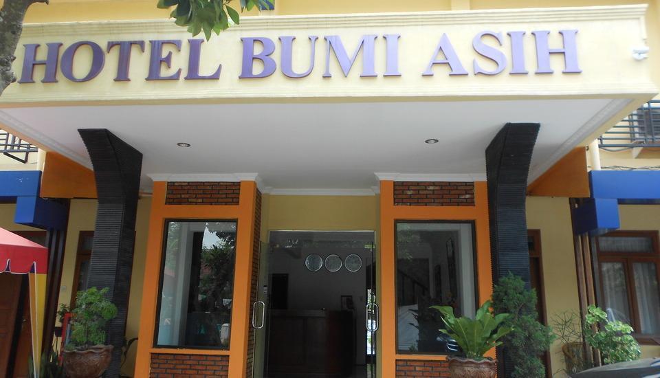 Hotel Bumi Asih Medan - Teras Hotel