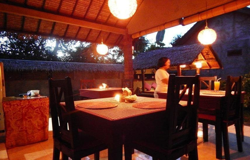 Giri Sari Guest House Bali - Exterior