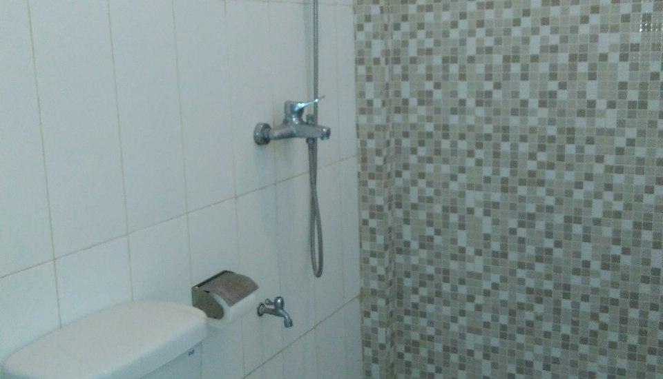 Hotel Kencana Purwodadi Grobogan - Bathroom