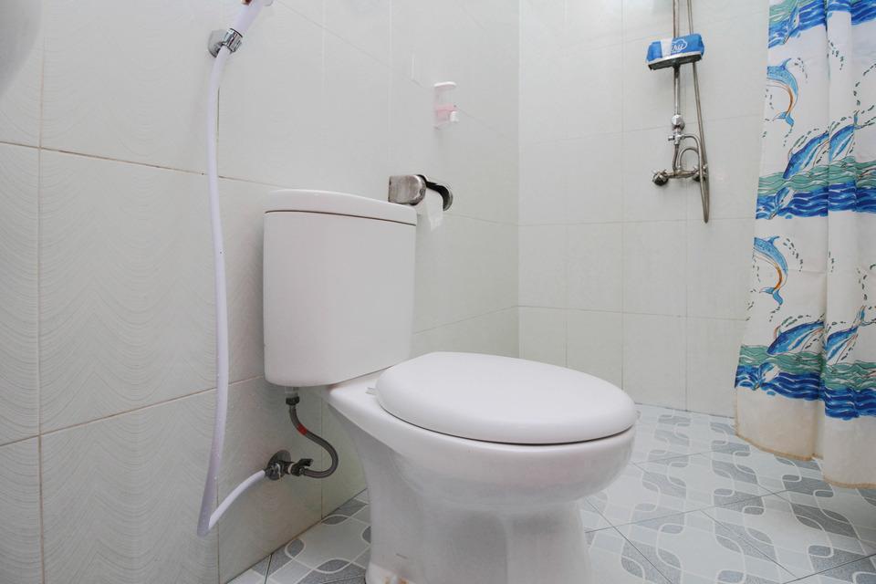Airy Seminyak Sunset Road Beji Ayu Satu 12 Kuta Bali - Bathroom
