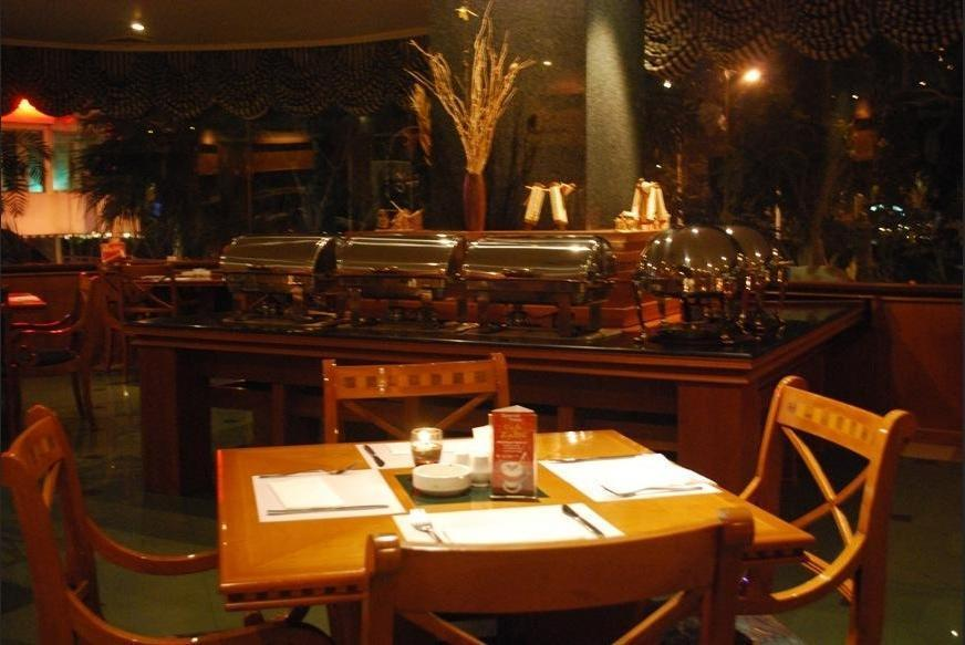 Weta International Hotel Surabaya - Restaurant