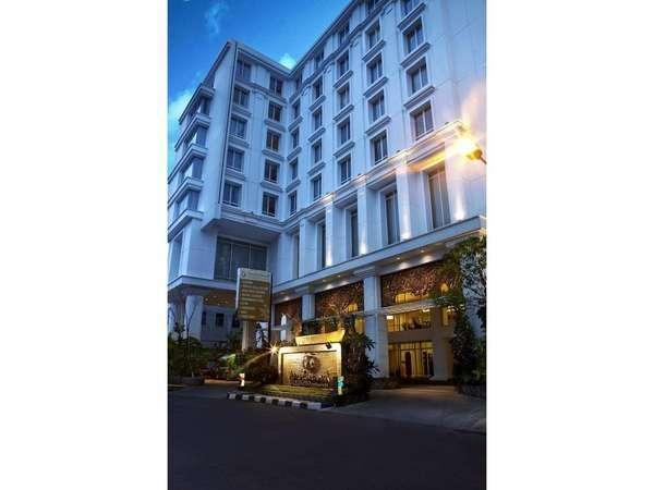 Jambuluwuk Malioboro Hotel Yogyakarta - Masuk