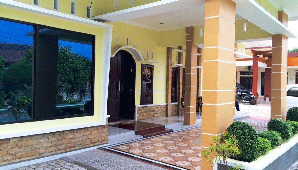 Wisma Ahlen Pangandaran Pangandaran - villa depan