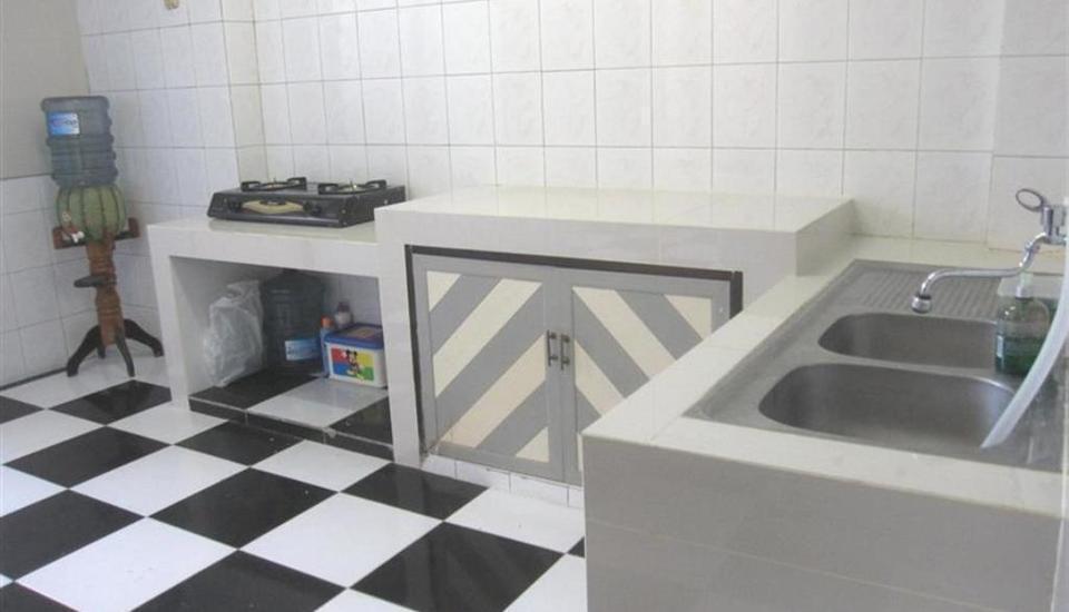 Providence Homestay Surabaya - dapur