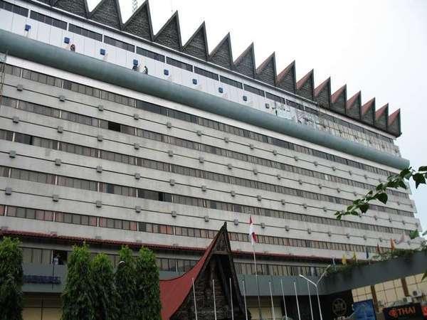 Hotel Danau Toba Medan - Appearance