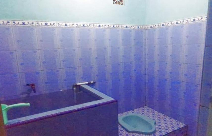 Penginapan Kaldera Bromo Probolinggo - Bathroom