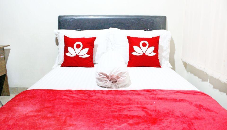 ZenRooms Salemba Syariah Jakarta - Tampak tempat tidur double