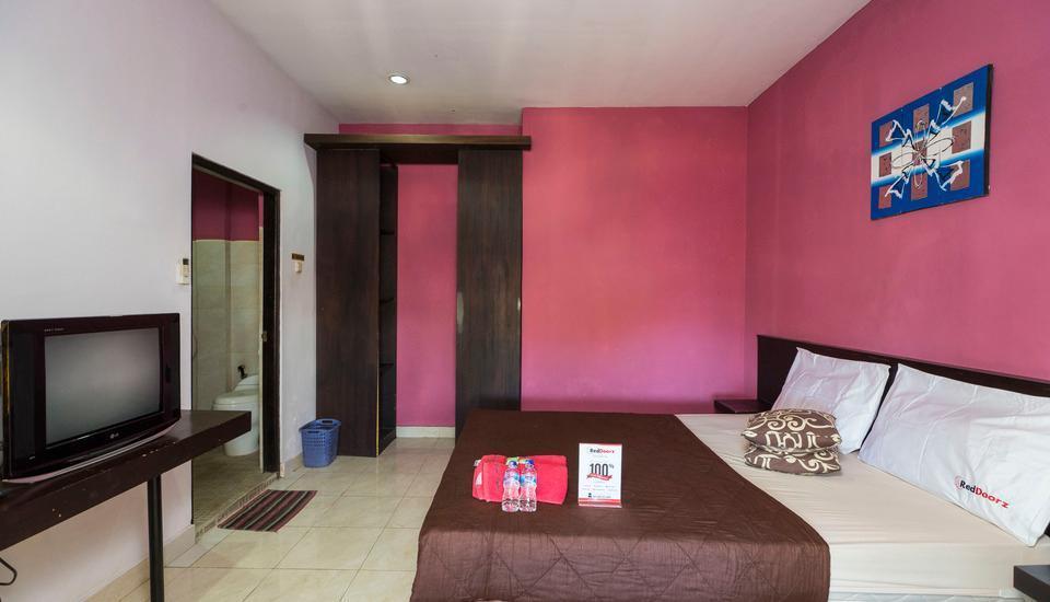 RedDoorz @Bakung Sari Kuta 2 Bali - Kamar tamu
