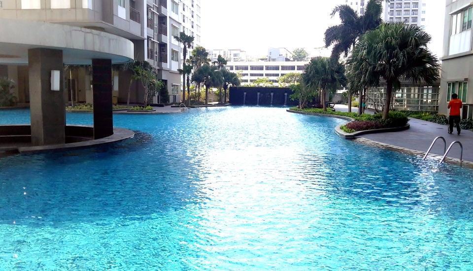 RedDoorz Plus @Thamrin Residence Jakarta - Kolam Renang